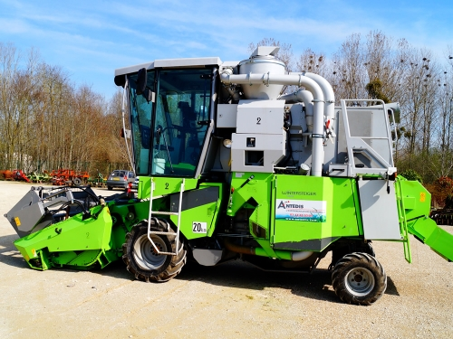 Harvesting Equipment for agronomic field trials